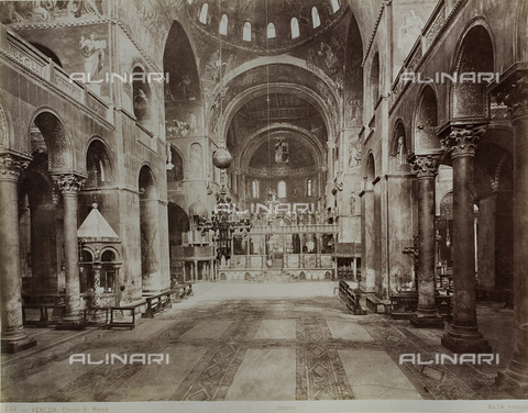 FVQ-F-118348-0000 - Inner view of the Basilica of San Marco, Venice - Data dello scatto: 1865-1875 - Archivi Alinari, Firenze