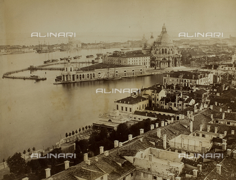 FVQ-F-118354-0000 - Panorama of Venice from the Bell Tower of San Marco, with the Dogana da Mar and the Church of Santa Maria della Salute - Data dello scatto: 1865-1875 - Archivi Alinari, Firenze