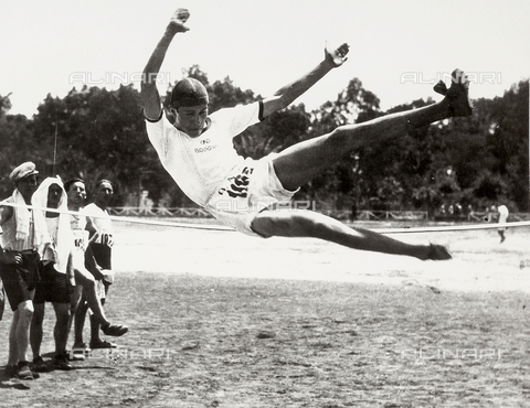 FVQ-F-119119-0000 - Athlete taking a high jump