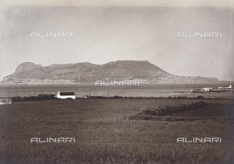 FVQ-F-121075-0000 - Veduta dello stretto di Gibilterra presa da Algeciras - Data dello scatto: 1880 ca. - Archivi Alinari, Firenze
