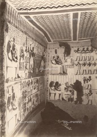 FVQ-F-121105-0000 - L'interno della tomba di Nakht a Tebe Ovest, in Egitto, dipinta sotto il regno di Thutmosi IV - Data dello scatto: 1870 - 1880 - Archivi Alinari, Firenze