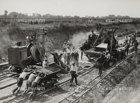 FVQ-F-132147-0000 - Work on a section of the Turin-Milan motorway