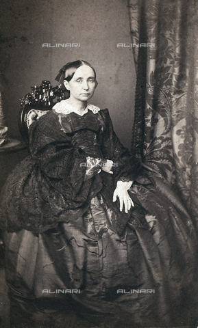FVQ-F-132643-0000 - Portrait of the queen mother of the Reign of Two Sicilies, Maria Teresa D'Asburgo - Date of photography: 1865 ca. - Fratelli Alinari Museum Collections, Florence