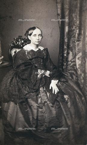 FVQ-F-132643-0000 - Ritratto della regina madre del regno delle Due Sicilie Maria Teresa D'Asburgo - Data dello scatto: 1865 ca. - Raccolte Museali Fratelli Alinari (RMFA), Firenze