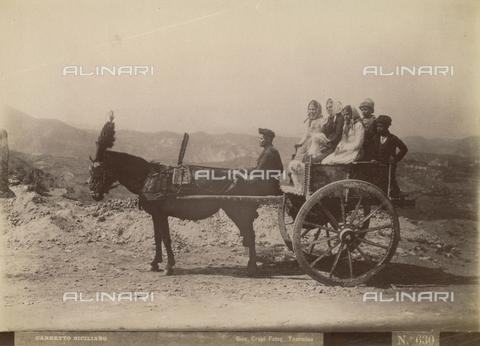 """FVQ-F-133193-0000 - """"Sicilian cart"""" - Data dello scatto: 1890-1900 - Archivi Alinari, Firenze"""