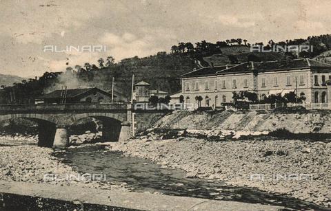 FVQ-F-135868-0000 - Stazione ferroviaria di Porretta Terme - Data dello scatto: 1925 ca. - Archivi Alinari, Firenze