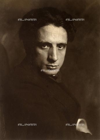FVQ-F-140056-0000 - Ritratto del fotografo Cesare Scarabello - Data dello scatto: 1910. - Archivi Alinari, Firenze
