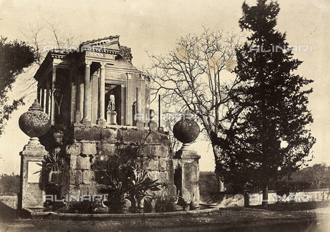 FVQ-F-141069-0000 - A templet in the park of Villa Borghese, Rome. - Data dello scatto: 1852 - 1854 - Archivi Alinari, Firenze