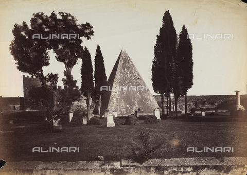 FVQ-F-141073-0000 - La piramide di Caio Cestio a Roma - Data dello scatto: 1855-1860 - Archivi Alinari, Firenze