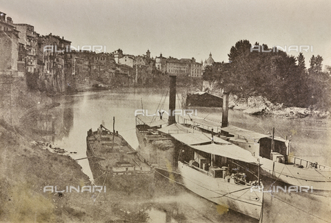FVQ-F-141077-0000 - Boats in front of the port of Ripetta in Rome - Data dello scatto: 1855 ca. - Archivi Alinari, Firenze