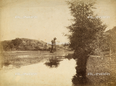 FVQ-F-141088-0000 - Lake near Rome - Data dello scatto: 1855-1860 - Archivi Alinari, Firenze