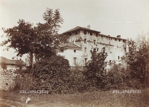 FVQ-F-141457-0000 - Veduta di un castello nei pressi di San Carlo Canavese - Data dello scatto: 1920-1930 - Raccolte Museali Fratelli Alinari (RMFA), Firenze