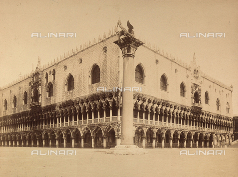 FVQ-F-141764-0000 - View of Piazzetta San Marco in Venice, with the Palazzo Ducale and the Column of San Marco - Data dello scatto: 1865-1875 - Archivi Alinari, Firenze