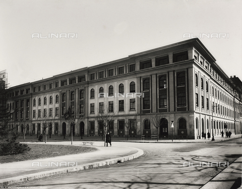 FVQ-F-145990-0000 - A elementary school in via Leonardo da Vinci, Milan - Data dello scatto: 1940-1945 - Archivi Alinari, Firenze