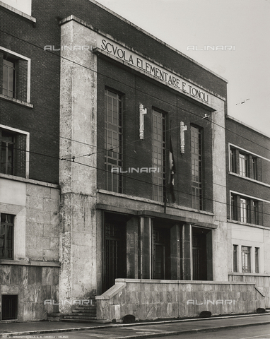 FVQ-F-145992-0000 - Facade of the elementary school E. Tonoli in Via Baggio, Milan - Data dello scatto: 1940-1945 - Archivi Alinari, Firenze