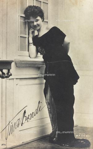 FVQ-F-146223-0000 - Portrait of the Italian actress Tina Bondi, postcard - Data dello scatto: 1915-1925 - Archivi Alinari, Firenze