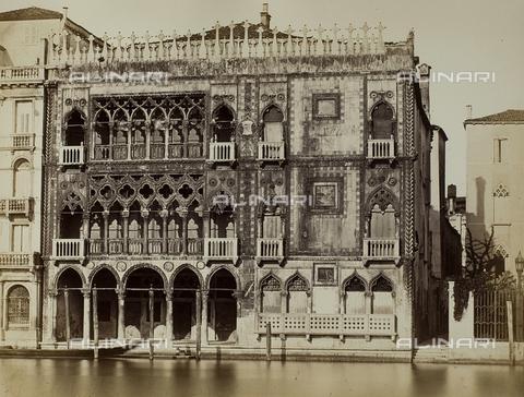FVQ-F-147447-0000 - Facciata della Ca' d'Oro sul Canal Grande a Venezia - Data dello scatto: 1860-1870 - Raccolte Museali Fratelli Alinari (RMFA), Firenze