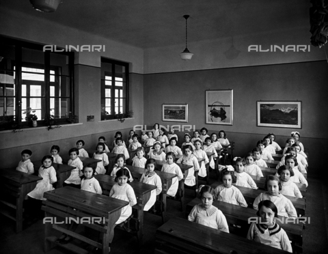 FVQ-F-149013-0000 - A class at the Via C. Dolci elementary school in Milan