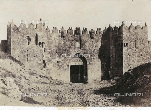 FVQ-F-149389-0000 - La Porta di Damasco a Gerusalemme - Data dello scatto: 1856 - Raccolte Museali Fratelli Alinari (RMFA), Firenze