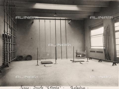 FVQ-F-149487-0000 - Elementary schools Giovanni Berta, Leccothe: the gym - Data dello scatto: 1930-1940 - Archivi Alinari, Firenze