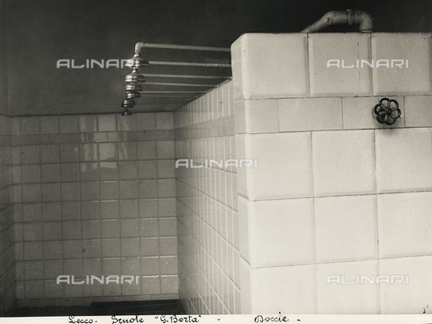 FVQ-F-149489-0000 - Elementary schools Giovanni Berta, Leccothe: the showers - Data dello scatto: 1930-1940 - Archivi Alinari, Firenze