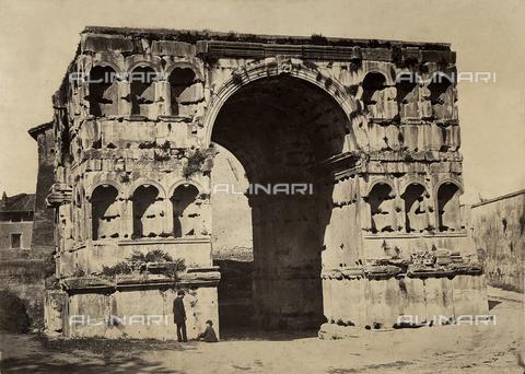 FVQ-F-150267-0000 - Arco di Giano, Roma - Data dello scatto: 1860 - 1865 ca. - Raccolte Museali Fratelli Alinari (RMFA), Firenze