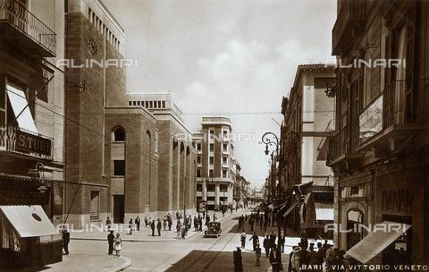 FVQ-F-154560-0000 - Bari, Via Vittorio Veneto, postcard