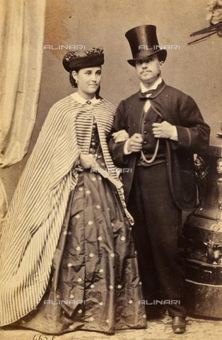 FVQ-F-157145-0000 - Ritratto della figlia di Garibaldi con il consorte - Data dello scatto: 1855-1865 - Archivi Alinari, Firenze