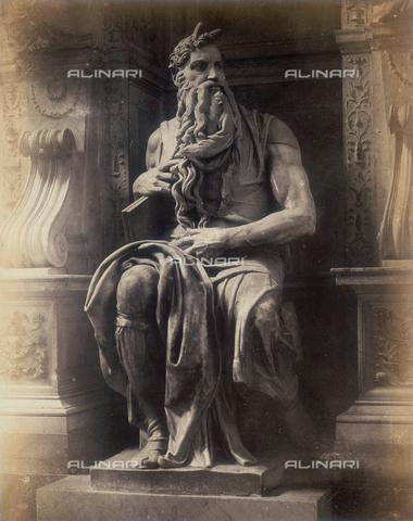 FVQ-F-158557-0000 - Il Mosè di Michelangelo, particolare della tomba di Giulio II in S.Pietro in Vincoli - Data dello scatto: 1855 - Raccolte Museali Fratelli Alinari (RMFA), Firenze