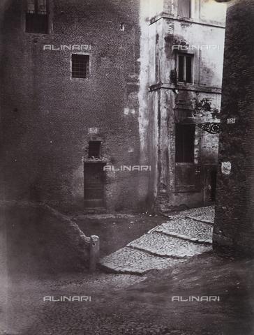 """FVQ-F-158699-0000 - """"Scorcio di vicolo"""" - Data dello scatto: 1870 ca. - Archivi Alinari, Firenze"""