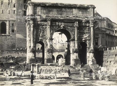 FVQ-F-158769-0000 - L'Arco di Settimio Severo nel Foro Romano. Roma - Data dello scatto: 1915 ca. - Archivi Alinari, Firenze