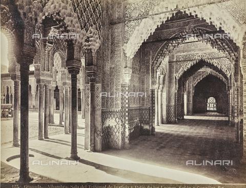 FVQ-F-159307-0000 - Sala de la Justicia and the patio of the Lions (Patio de los Leones) in the Alhambra in Granada - Date of photography: 1880-1890 ca. - Fratelli Alinari Museum Collections, Florence