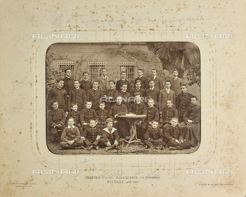 """FVQ-F-161663-0000 - """"Collegio Convitto alla Querce, con Esternato - Florence 1905-1906"""": group portrait of the singers with their director, Father Mazzia - Date of photography: 1905-1906 - Fratelli Alinari Museum Collections, Florence"""