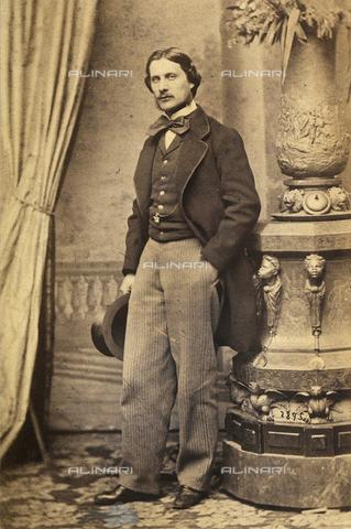 FVQ-F-163521-0000 - Ritratto maschile a figura intera - Data dello scatto: 1855-1865 - Raccolte Museali Fratelli Alinari (RMFA), Firenze