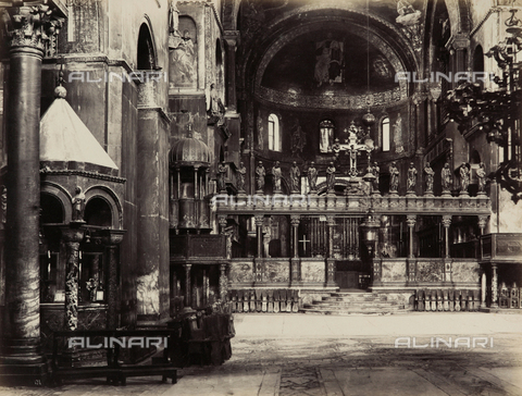FVQ-F-193894-0000 - Inner view of the Basilica of San Marco, Venice - Data dello scatto: 1865-1875 - Archivi Alinari, Firenze