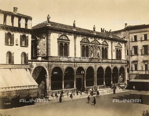 FVQ-F-198523-0000 - La Loggia del Consiglio e Piazza dei Signori a Verona - Data dello scatto: 1857-1858 ca. - Archivi Alinari, Firenze