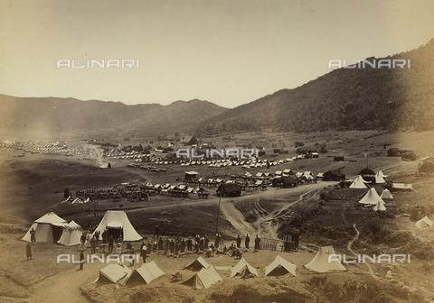 FVQ-F-199779-0000 - Un accampamento militare francese in una vallata italiana - Data dello scatto: 1860-1865 ca. - Archivi Alinari, Firenze