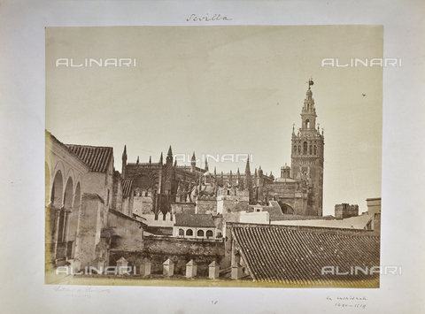 FVQ-F-205892-0000 - Houses of Seville, among which is the Cathedral - Data dello scatto: 1858-1862 - Archivi Alinari, Firenze