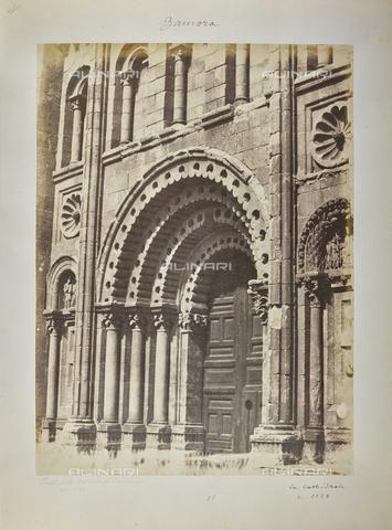 FVQ-F-205899-0000 - Il portale della Cattedrale di Zamora, in Spagna - Data dello scatto: 1858-1862 - Raccolte Museali Fratelli Alinari (RMFA), Firenze