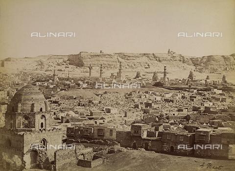 FVQ-F-206703-0000 - Le tombe dei Mamelucchi nella Città dei Morti al Cairo in Egitto - Data dello scatto: 1870-1880 - Raccolte Museali Fratelli Alinari (RMFA), Firenze