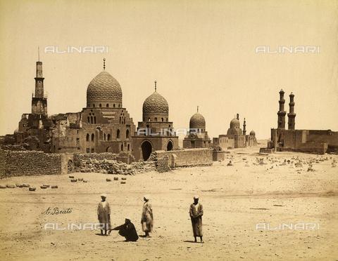 FVQ-F-206706-0000 - The tombs of the Caliphs in Cairo, Egypt - Data dello scatto: 1870-1880 - Archivi Alinari, Firenze