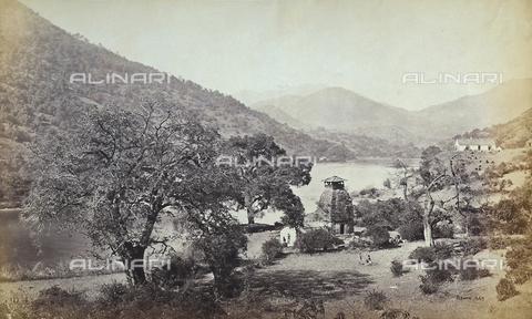 FVQ-F-206760-0000 - Paesaggio fluviale indiano - Data dello scatto: 1865 ca. - Raccolte Museali Fratelli Alinari (RMFA), Firenze