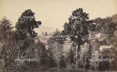 FVQ-F-206764-0000 - Scorcio della città di Simla (Shimla), vicino alla catena montuosa dell'Himalaya, India - Data dello scatto: 1863 - 1870 ca. - Archivi Alinari, Firenze
