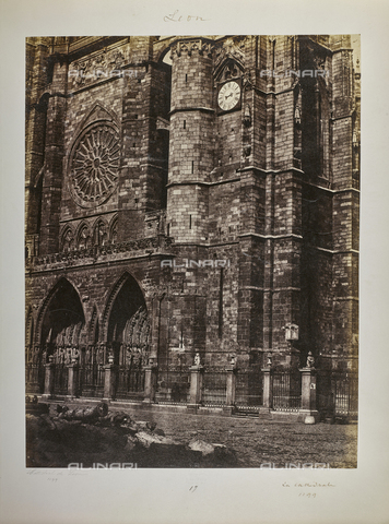 FVQ-F-208984-0000 - Detail of the lower part of the facade of the Cathedral of Leon, Spain - Data dello scatto: 1858-1862 - Archivi Alinari, Firenze