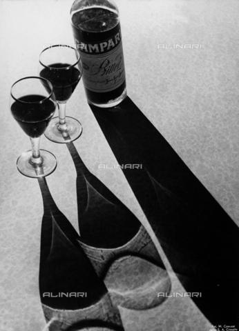 FVQ-F-210325-0000 - Pubblicità dell'aperitivo Campari - Data dello scatto: 1940-1950 - Archivi Alinari, Firenze