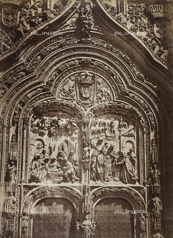 FVQ-F-210368-0000 - Particolare della facciata della cattedrale di Salamanca in Spagna - Data dello scatto: 1858-1862 - Raccolte Museali Fratelli Alinari (RMFA), Firenze