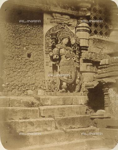 FVQ-F-210387-0000 - Divinità orientale, statua del tempio di Hullabeed a Mysore in India - Data dello scatto: 1858 - Archivi Alinari, Firenze