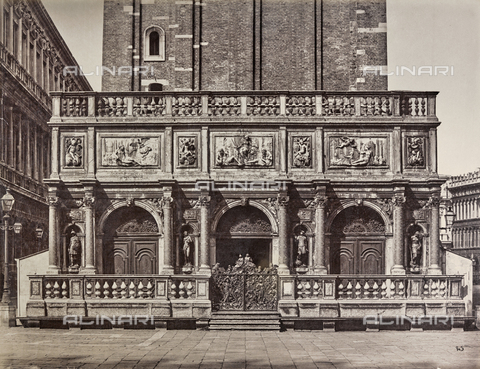 FVQ-F-211397-0000 - Loggetta at the base of the Bell tower of San Marco in Venice - Data dello scatto: 1865-1875 - Archivi Alinari, Firenze