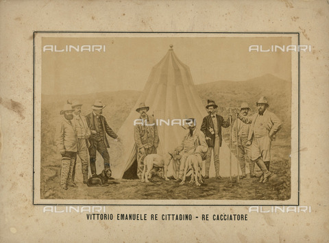 FVQ-F-212342-0000 - Portrait of Victor Emmanuel II of Italy (1820-1878) with a group of hunters, Valsavaranche, Valle d'Aosta - Data dello scatto: 1860 ca. - Archivi Alinari, Firenze