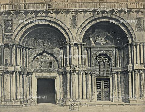 FVQ-F-212523-0000 - I portali laterali di sinistra della Basilica di San Marco a Venezia - Data dello scatto: 1860-1870 - Raccolte Museali Fratelli Alinari (RMFA), Firenze